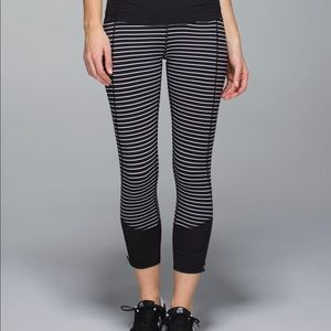 Lululemon Runday Crop Parallel Stripe White Black